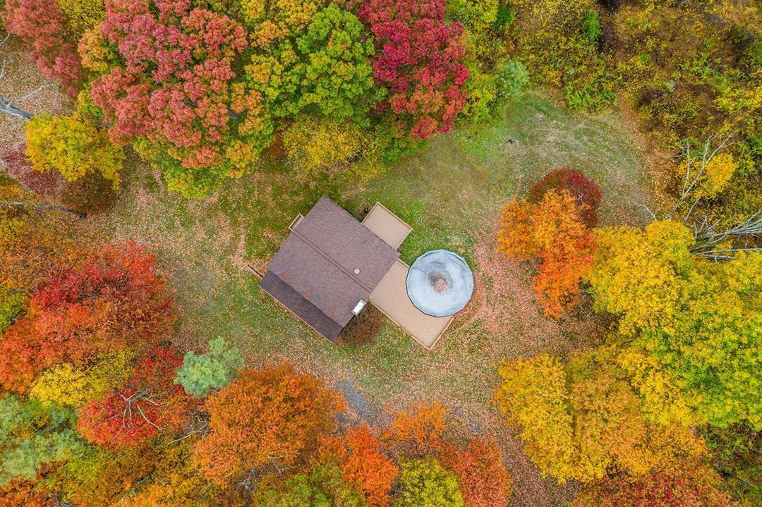 Autumn Foliage Obsessed 😍 __________________________________ We capture Pittsburgh real estate on the daily! Contact us now to schedule a shoot -> __________________________________ #CapturedListings #home #business #realestateagent #pittsburghphotography #investment #dji #interiordesign #pittsburgh #videotour #property #motivation #realty #luxuryhomes #luxuryrealestate #residential #newlisting #realestatelife #forsale #milliondollarlisting #success #house #money #pittsburgh #drone #inspiration