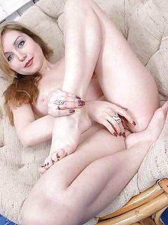 Sexy thin ebony nude girl
