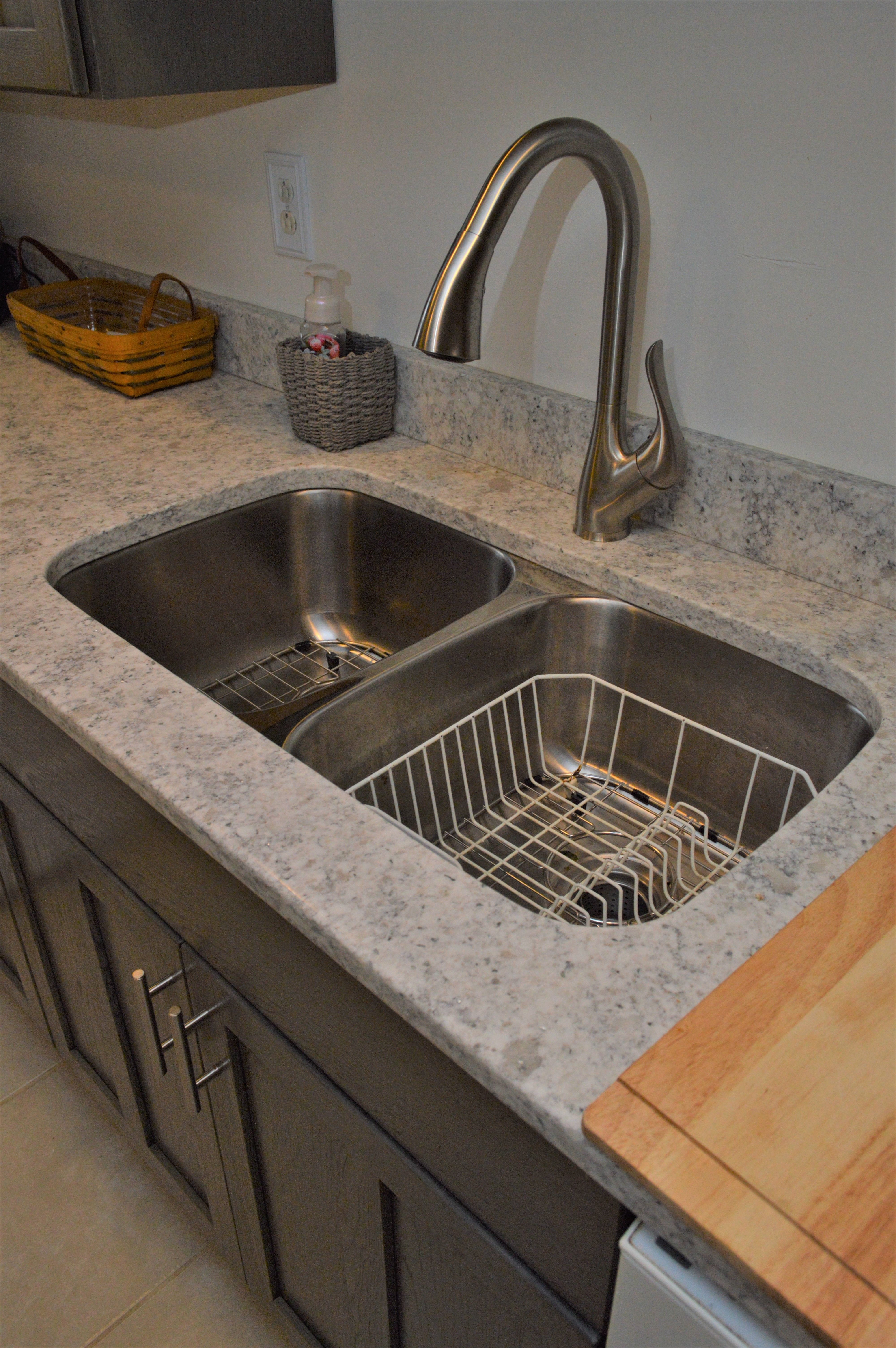 Bailey\'s Cabinets, Pelican, Platinum Series, Equal Stainless ...