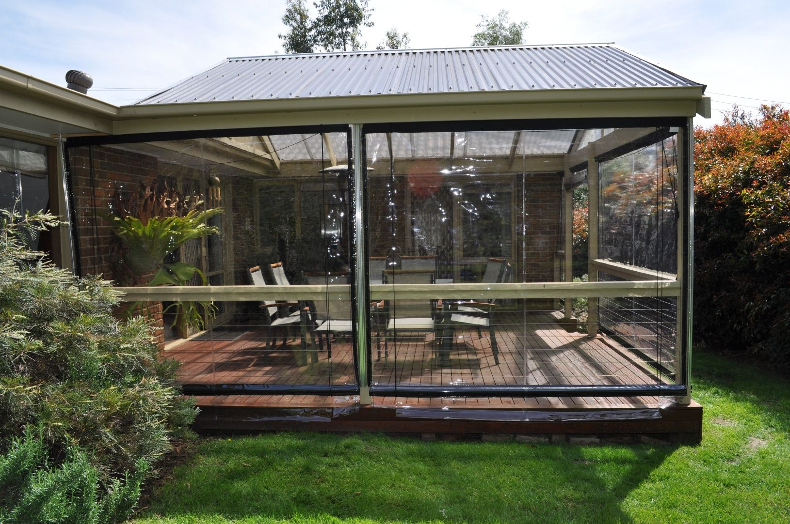 Cafe Blinds which are also known as Bistro Blinds allow outdoor ...
