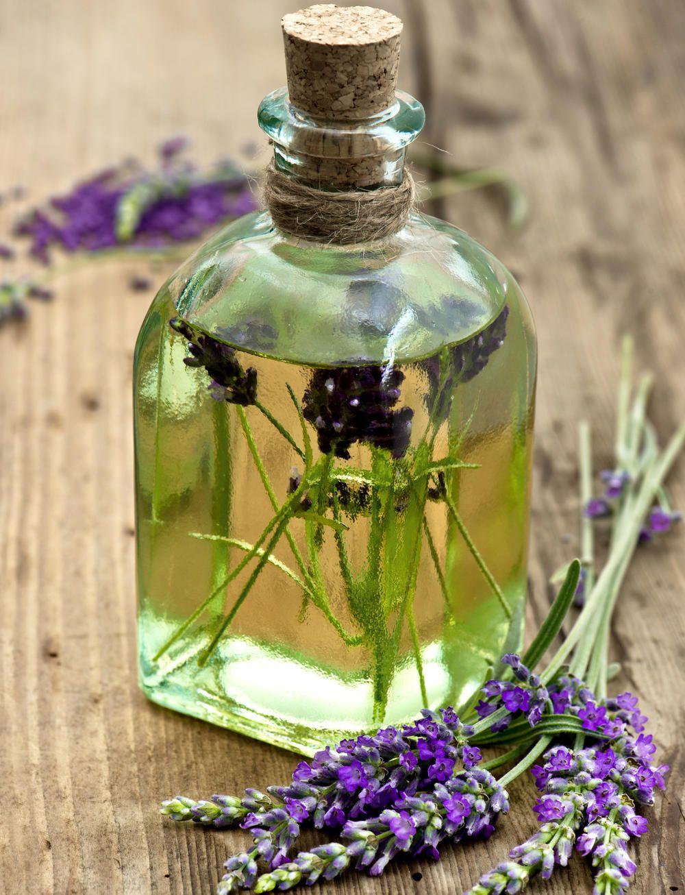 Lavendelöl Selbst Herstellen : lavendel l herstellen konservieren sie den duft des s dens massage l selber machen massage ~ Yuntae.com Dekorationen Ideen