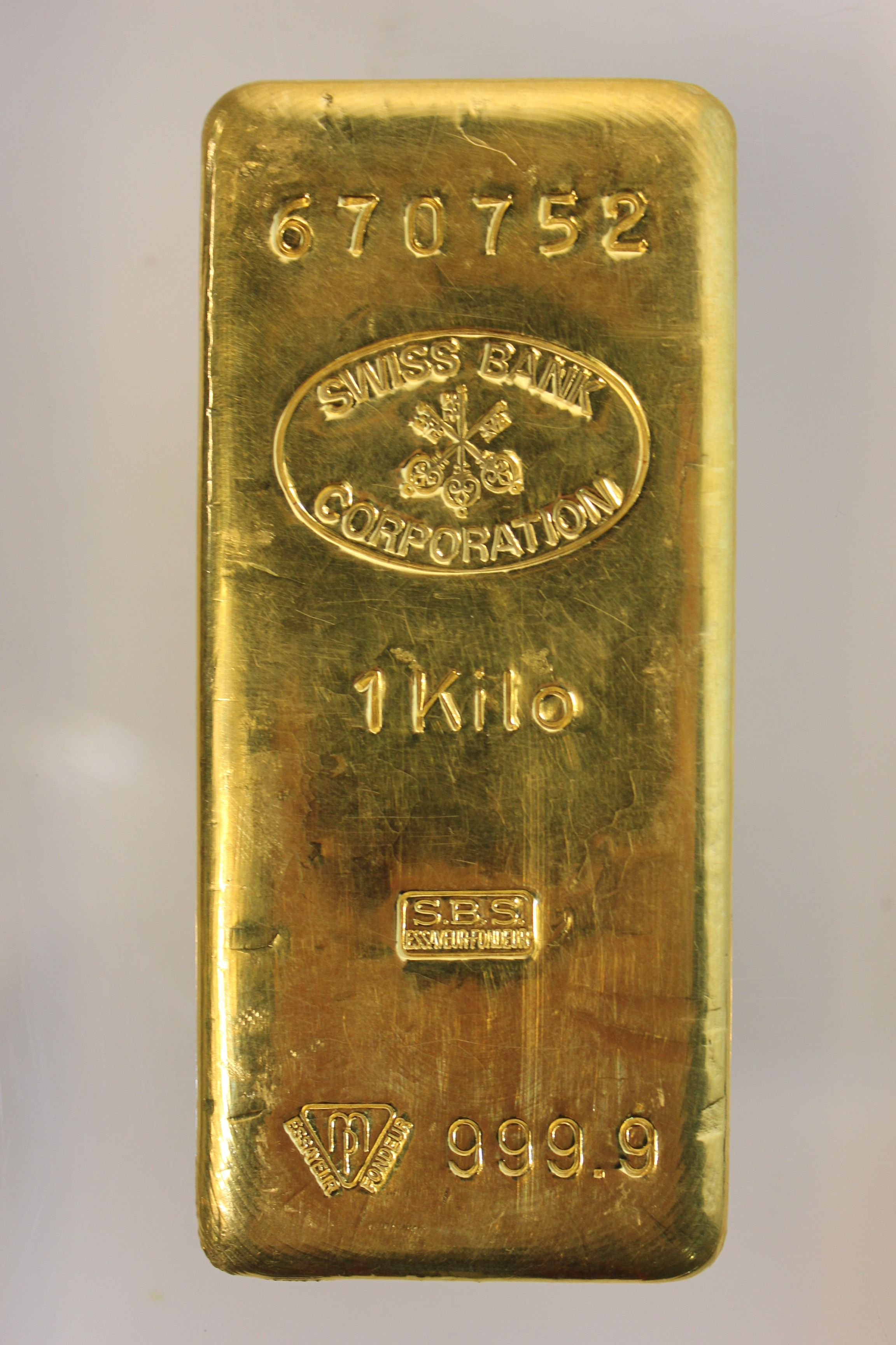 Pin By Gold D Lion On Spectacular Safe Deposit Auction Gold Bullion Coins Gold Bullion Bars Gold Money