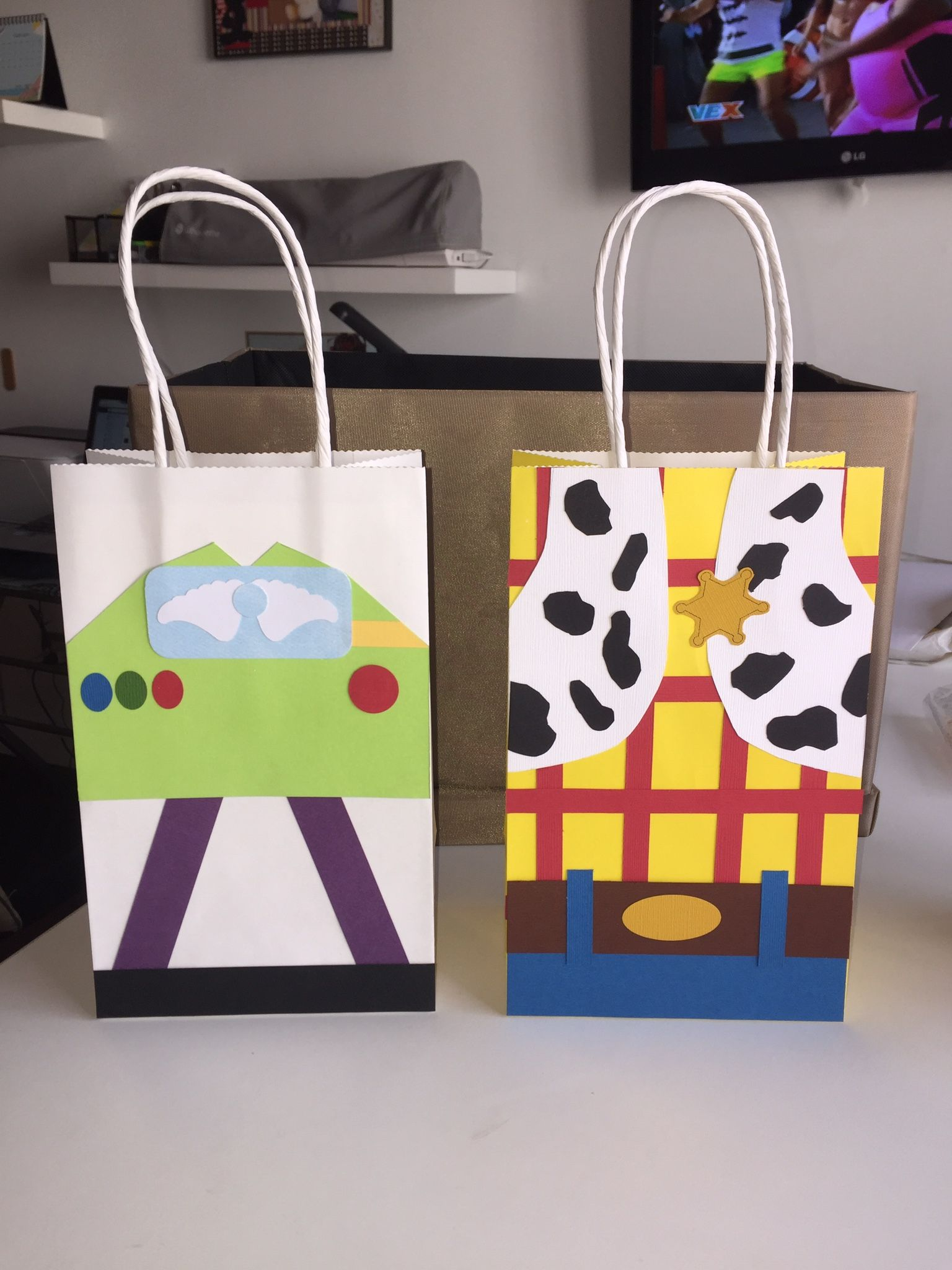 80f738e98 Bolsas para sorpresas fiesta infantil Toy Story | Scrapbook y más ...