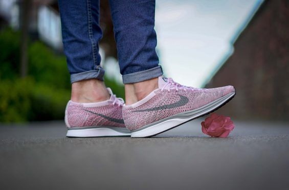 terrorista Mimar Mostrarte  On-Feet Images Of The Upcoming Nike Flyknit Racer Macaroon Pack •  KicksOnFire.com | Fashion pumps, Nike free shoes, Fashion shoes