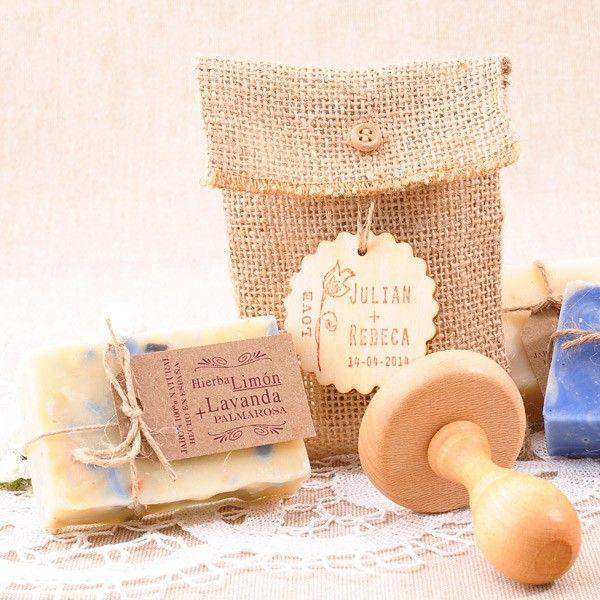 Bolsita de yute con etiqueta y sello personalizado con - Regalo de bodas originales ...