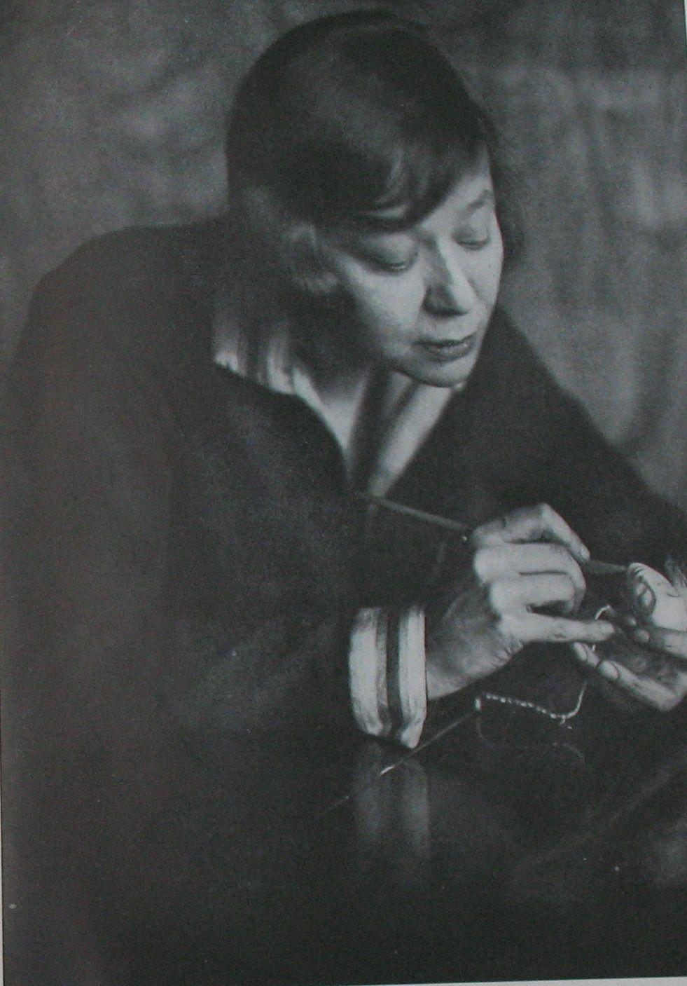 Lotte Pritzel Puppeteer Caption: Bekannt durch ihre Eigenschöpfungen