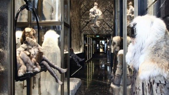 f25859cdc Moncler opens new flagship store and showroom in Paris - CPP-LUXURY ...
