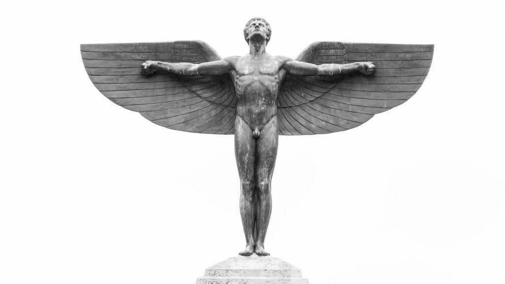 Lilienthal-Denkmal im Bäkepark / Lilienthal monument in Berlin ...