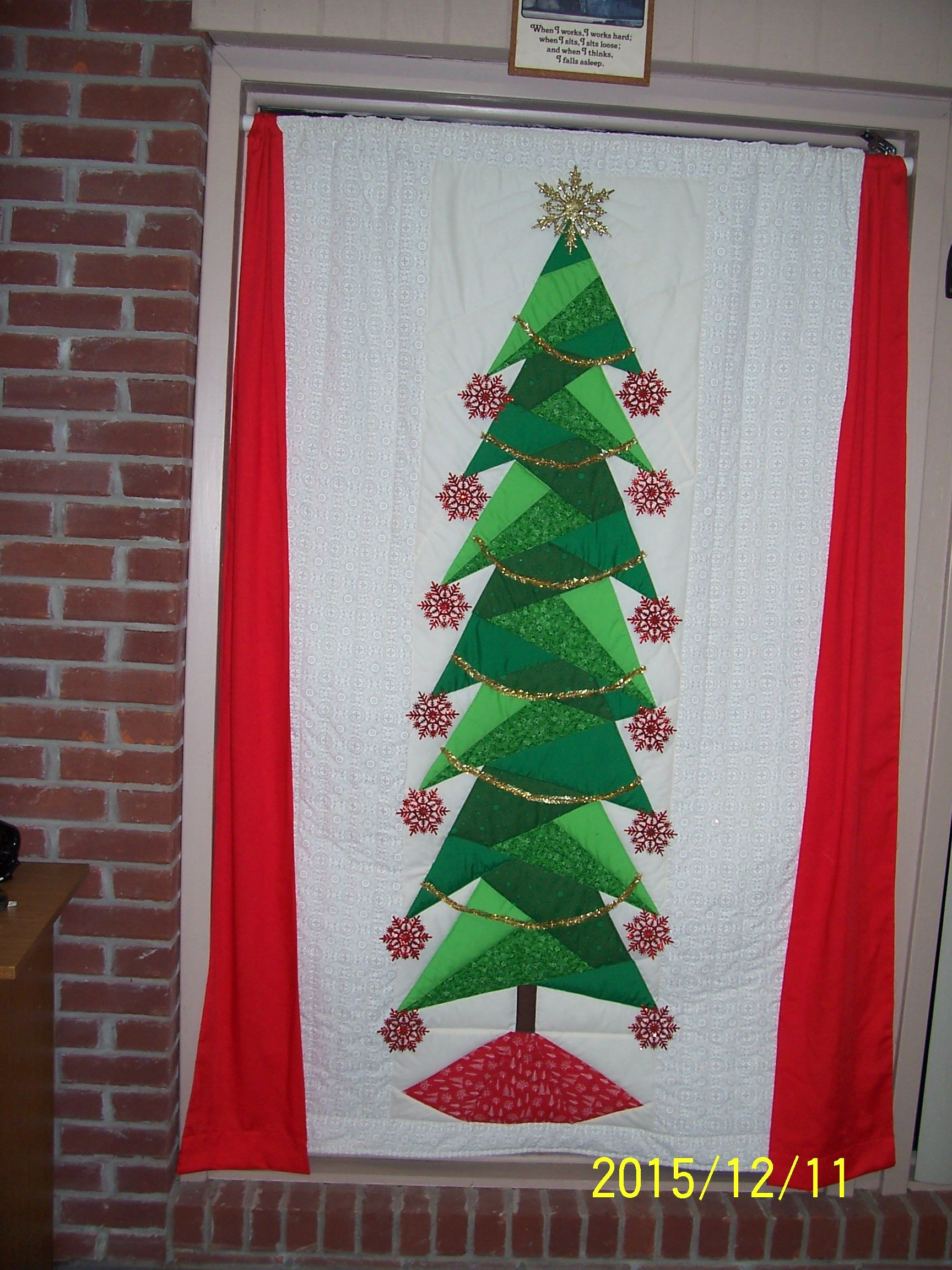 Paper Pieced Christmas Tree Quilt