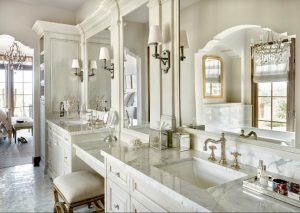 Traditional Bathroom Classic Traditional Bathroom Classic Bathroom With Ivory White Cabinets And Classic Bathroom Bathroom Interior Design Bathroom Interior