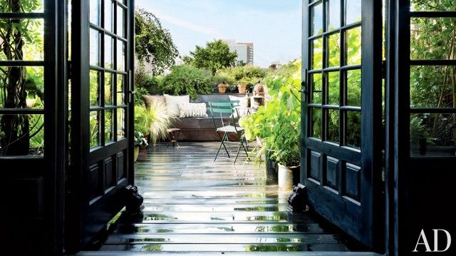 The Most Gorgeous Urban Rooftop Gardens via @domainehome
