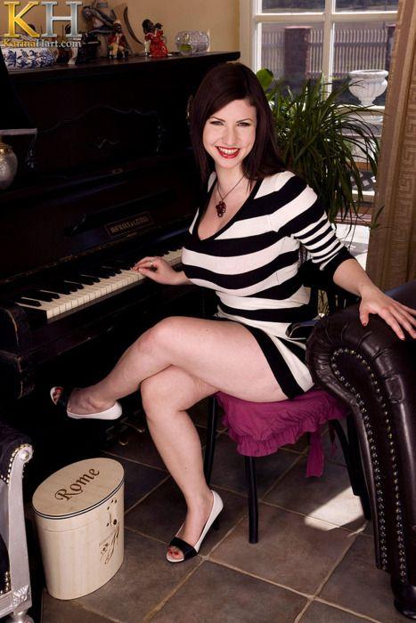 Bloghost Karina Hart