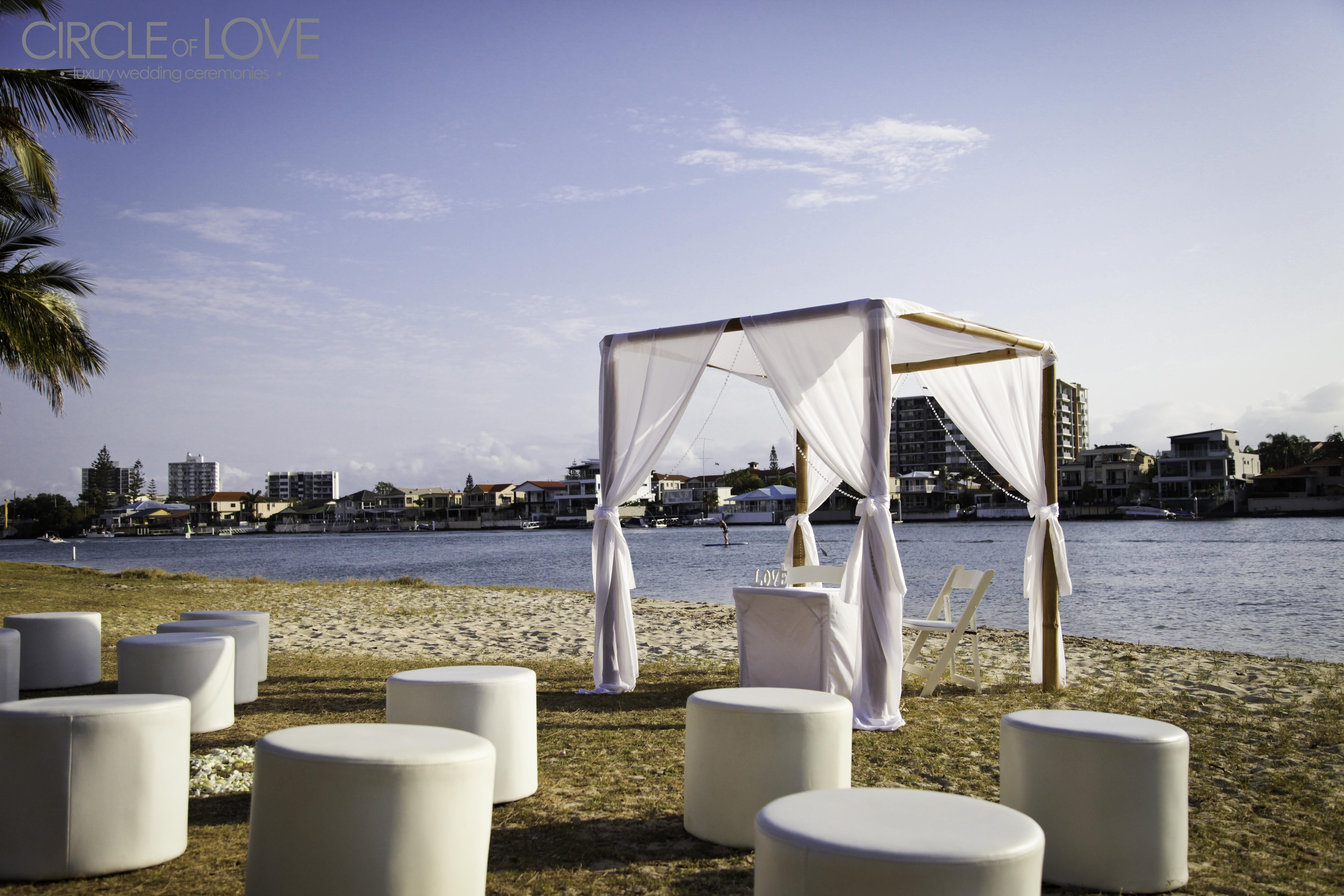 wedding receptions gold coast qld%0A Budds Beach Wedding Gold Coast Wedding Ceremony  www circleofloveweddings com au