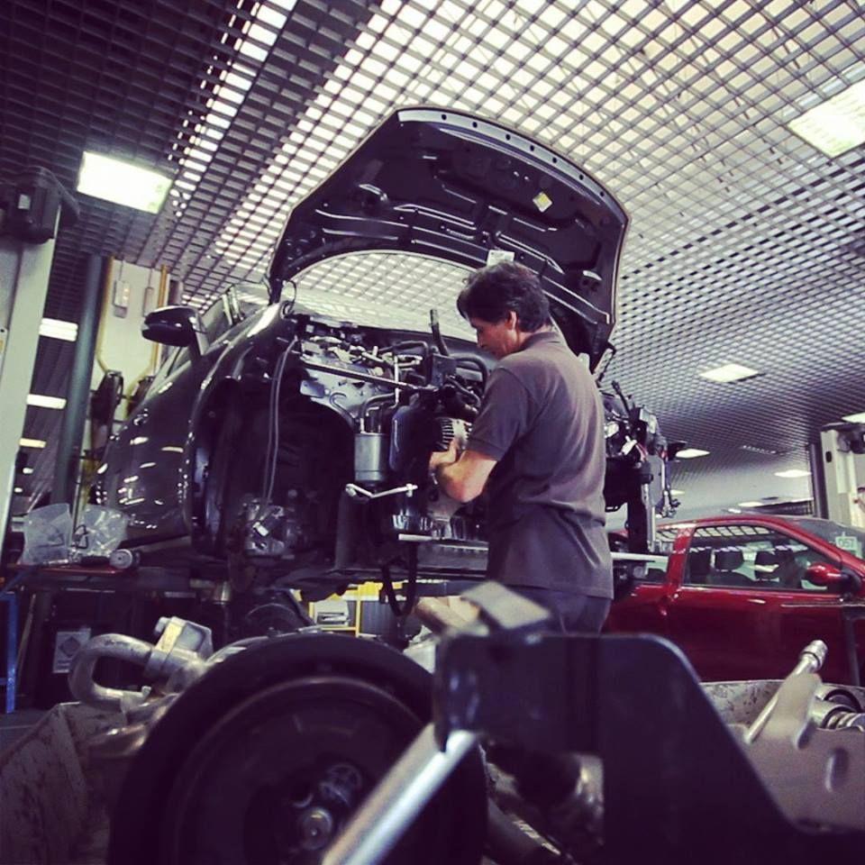 Euroautos es tu concesionario Renault de confianza. Somos expertos en el tratamiento de tu carro en colisión, mantenimiento preventivo y correctivo.