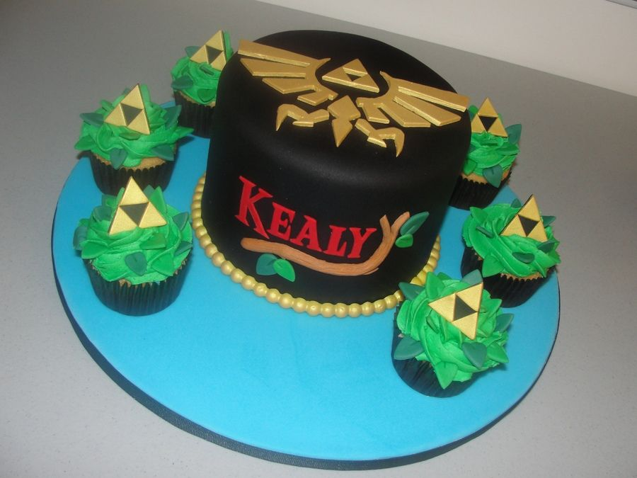Legend Of Zelda Cake Triforce Cupcakes Birthday Photos