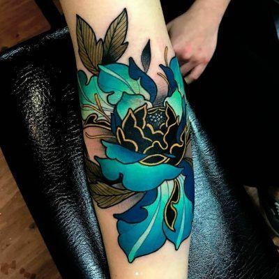 25 Tatuajes de flores para hacer de tu piel un jardín viviente