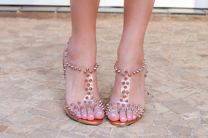 Transparent and spikes!