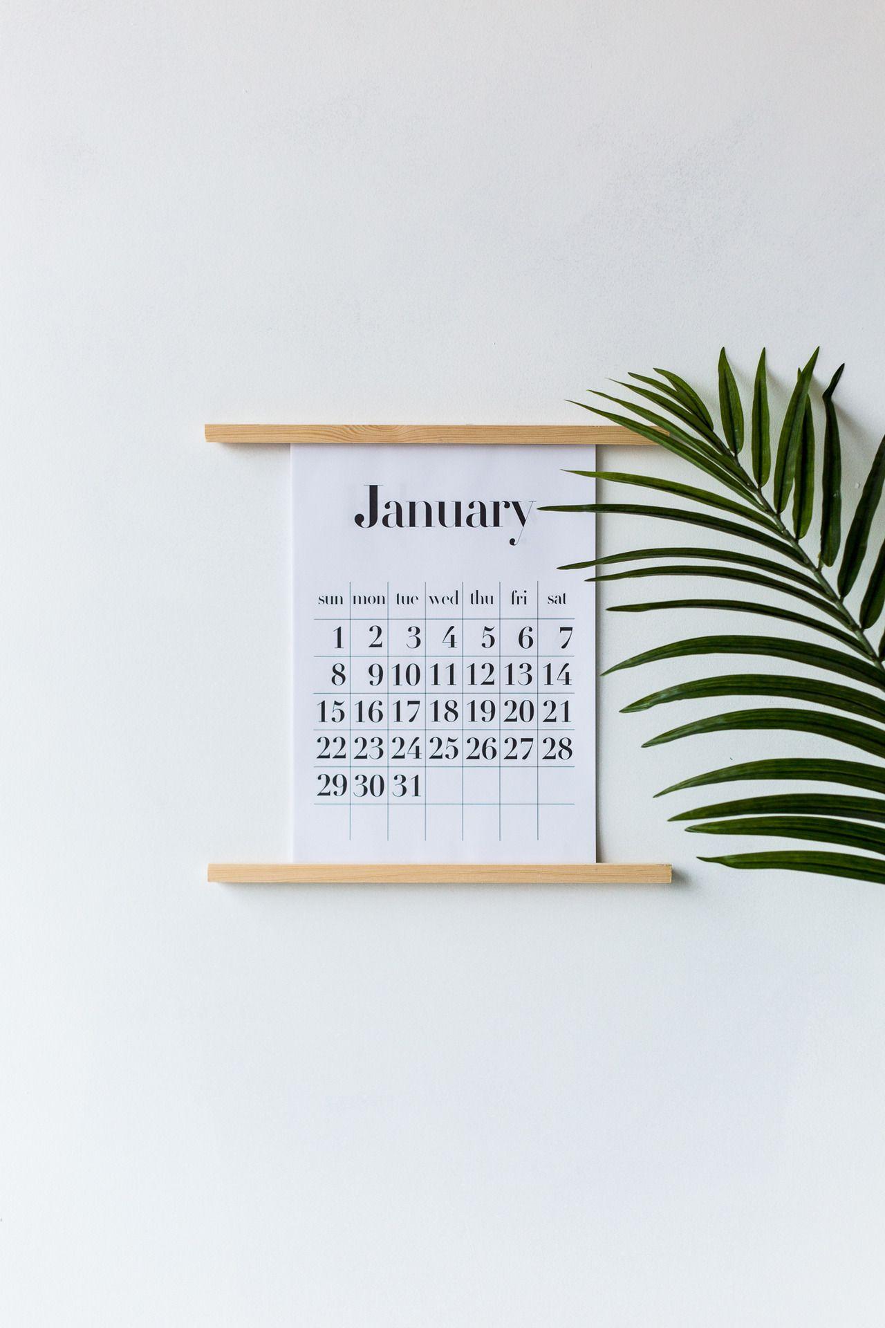 Настенная подставка для календаря своими руками и бесплатный календарь для печати A4 / A3