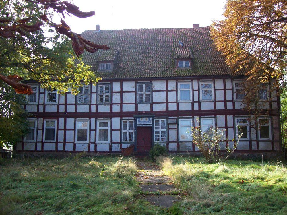 Herrenhaus im Wendland, sehr groß gegen freies Gebot zu