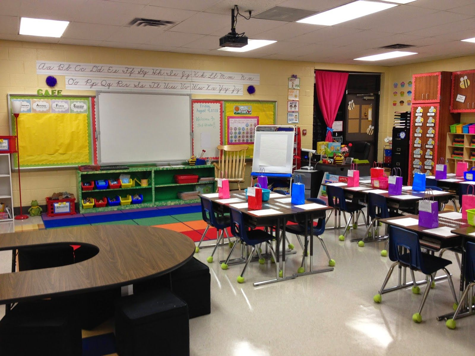 Innovative First Grade Classroom ~ Sweet honey in nd classroom set up for first day of