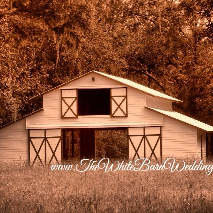 The White Barn Brooksville Fl Seating For 165 Guests