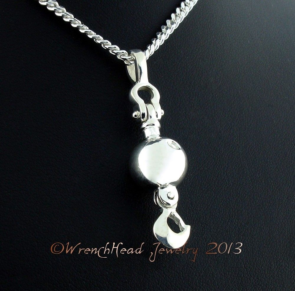 sterling silver crane ball and hook pendant c w chain. Black Bedroom Furniture Sets. Home Design Ideas