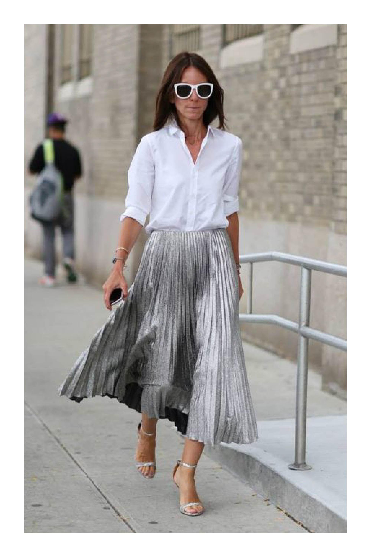 Prendas que te harán lucir muy femenina  TiZKKAmoda  blusa  blanco  falda   plisada  plateado  zapatillas  lentes  look  fashion d6c5be305f30