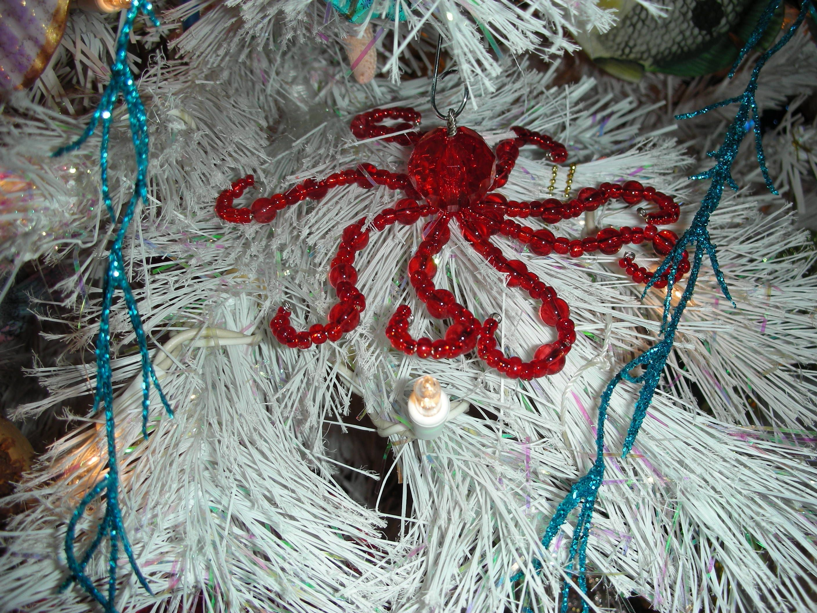 Red Octopus Ornament | Beach Crafts | Pinterest | Ornament, Beaded ...