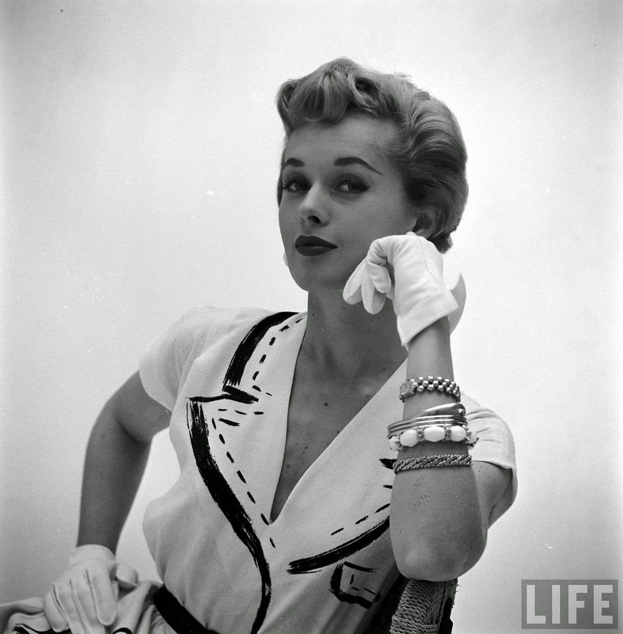 vintage everyday: A Beautiful Collection of Hermès Painted Dresses in 1952