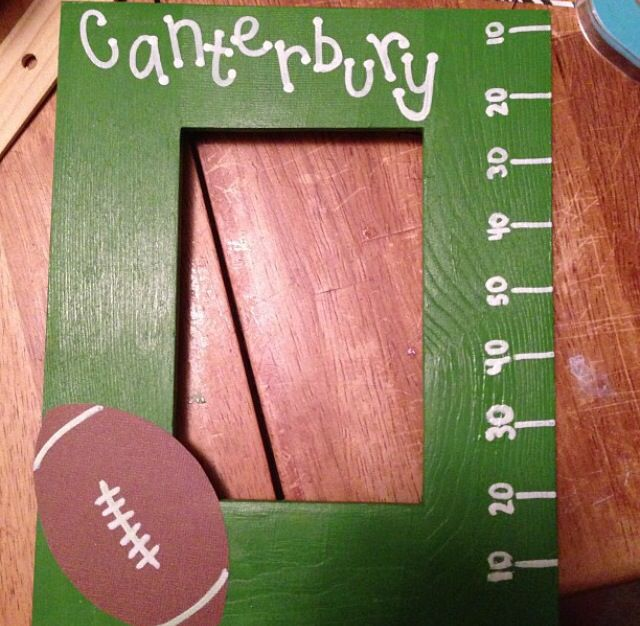 football picture frame diy very easy to make and perfect for a boyfriend gift