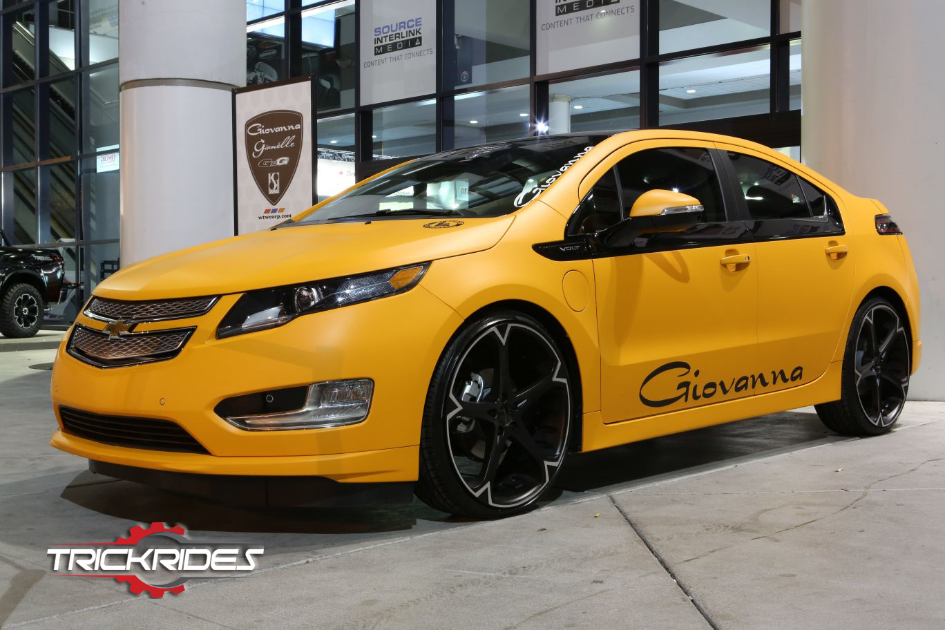 Chevrolet Volt At Sema Trickrides Sema Customcarspics