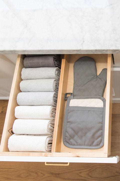 This Hidden Shoe Organizer Idea Is Seriously Genius #kitchenstorage