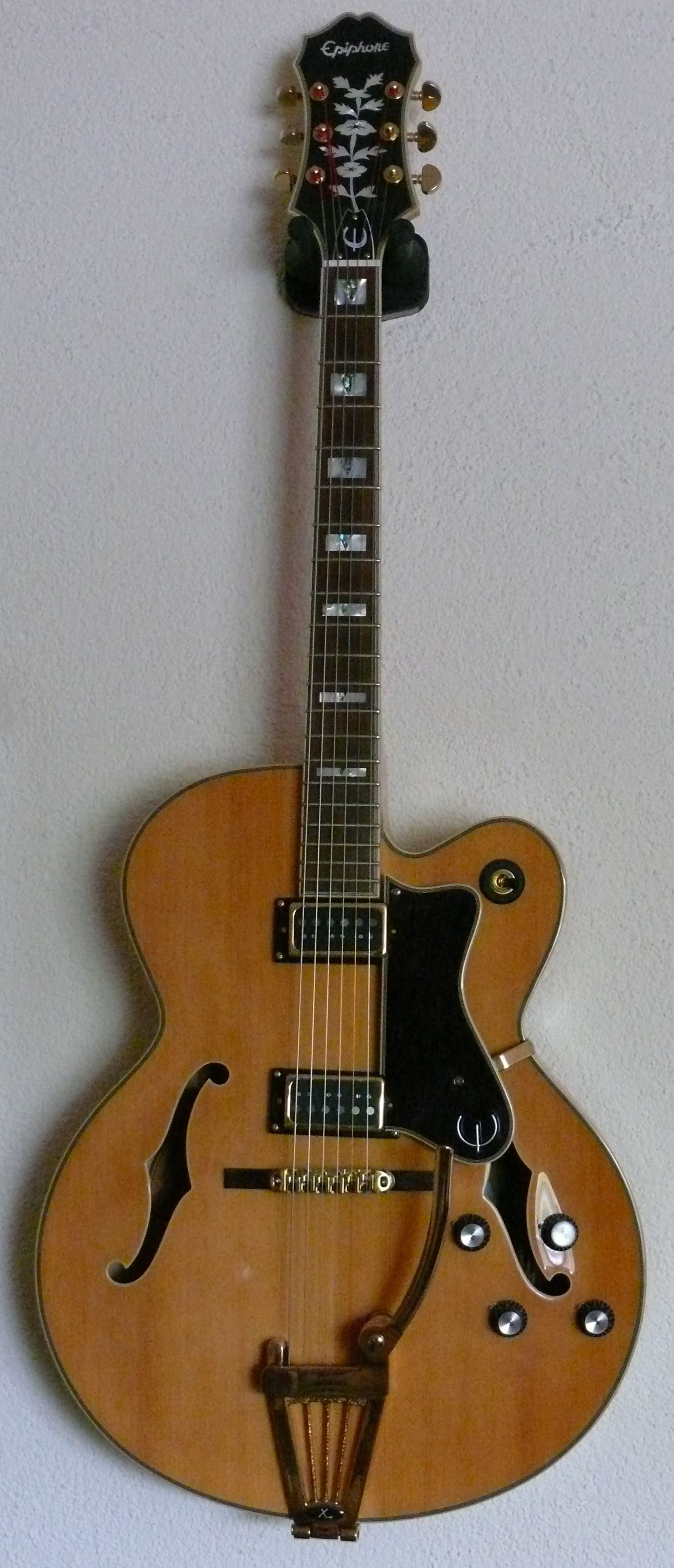 2011 Epiphone Broadway with Xtrem Vintage vibrato and GFS Surf 90 ...