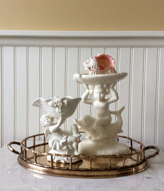 This Is A Set Of Two Off White Ceramic Bathroom Accessories Beautiful Cherubs Adorn Each