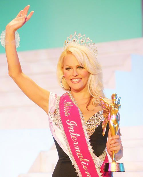 Tiffany's second annual beauty pageant for transsexuals Miss