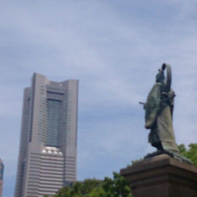 大老の感慨。 #掃部山公園#横浜 #ランドマークタワー #井伊直弼#japan #yokohama