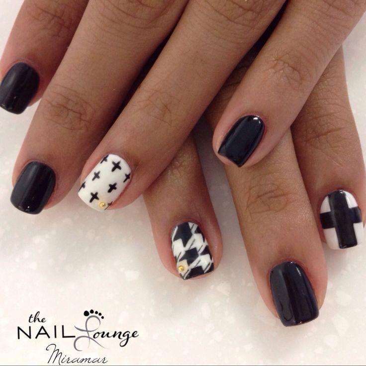 Black and white, cross, houndstooth gel nail art - Matte Black Nails Pinterest - Http://www.mycutenails.xyz/matte
