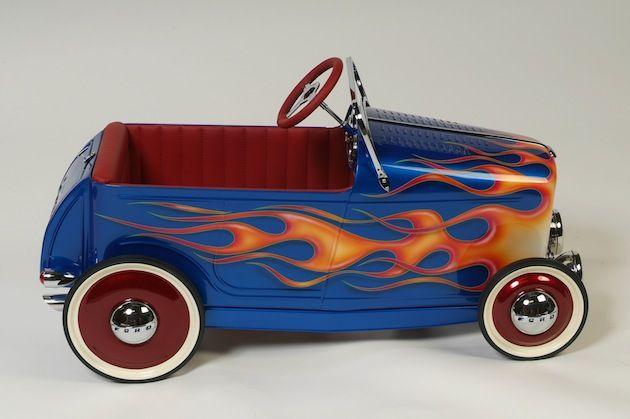 comment construire une voiture en bois a pedale voitures. Black Bedroom Furniture Sets. Home Design Ideas