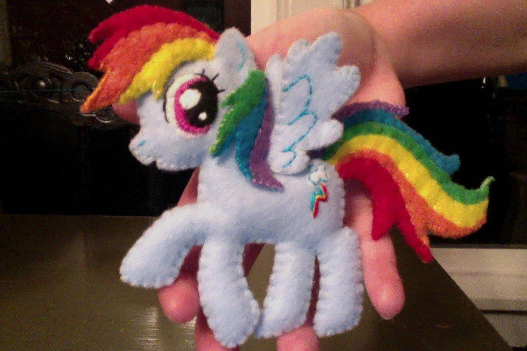Felt Rainbow Dash