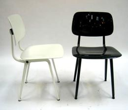 Friso kramer revolt stoel ahrend bv nl furniture for Revolt stoel