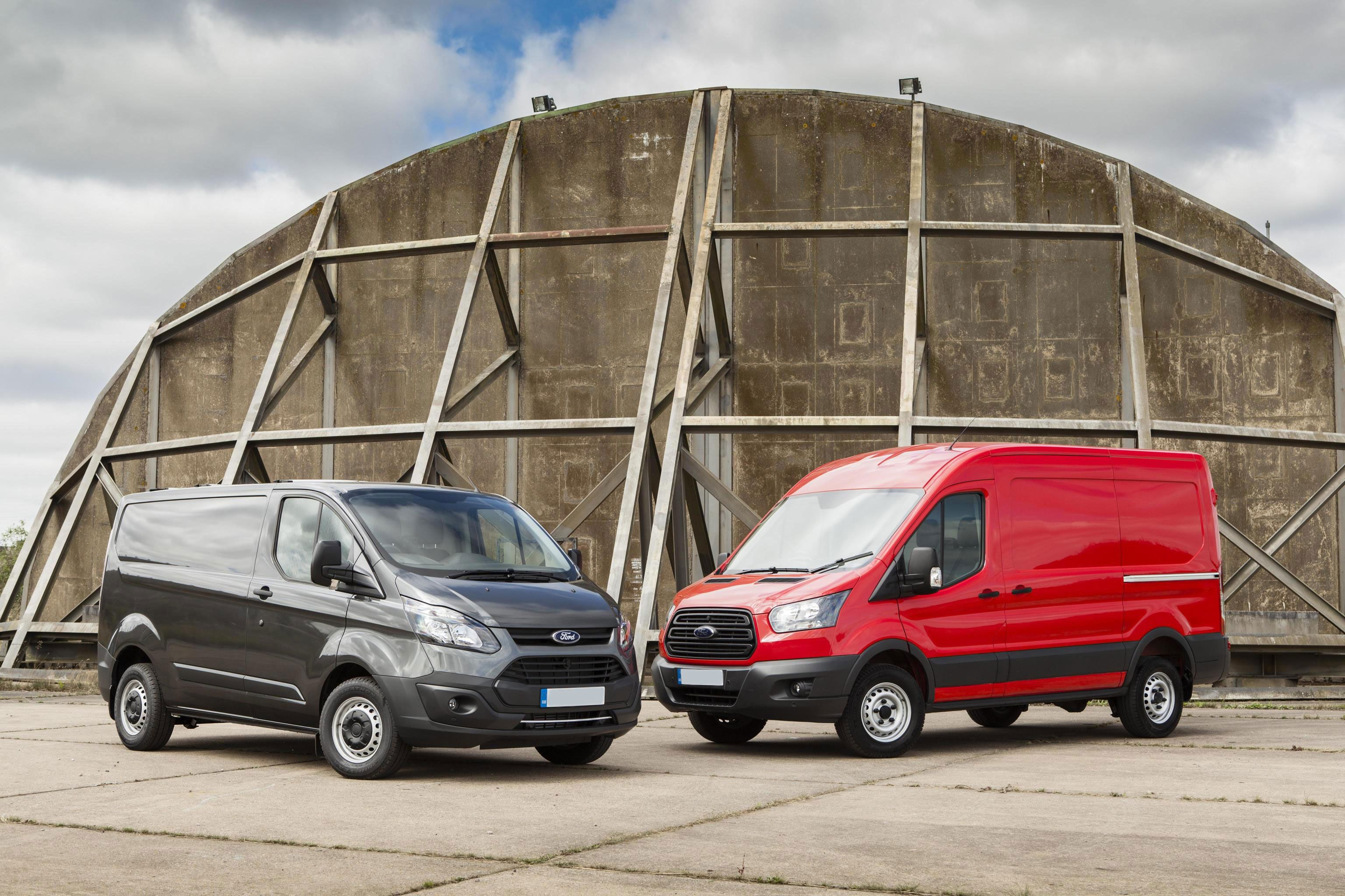 Transit Custom features a range of innovative and powerful EcoBlue engines #Ford #Ford_Transit_Connect