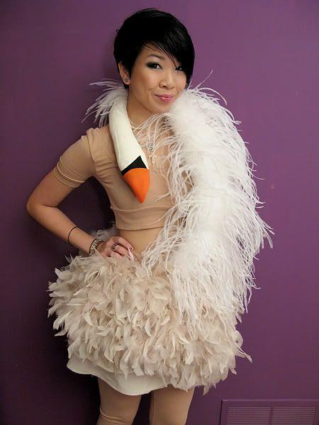 tutorial bjork 39 s swan dress carnival insp ration pinterest kost m diy kost m und fasching. Black Bedroom Furniture Sets. Home Design Ideas