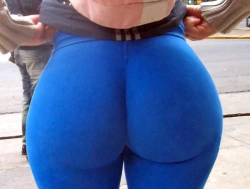Big booty yoga pants gif
