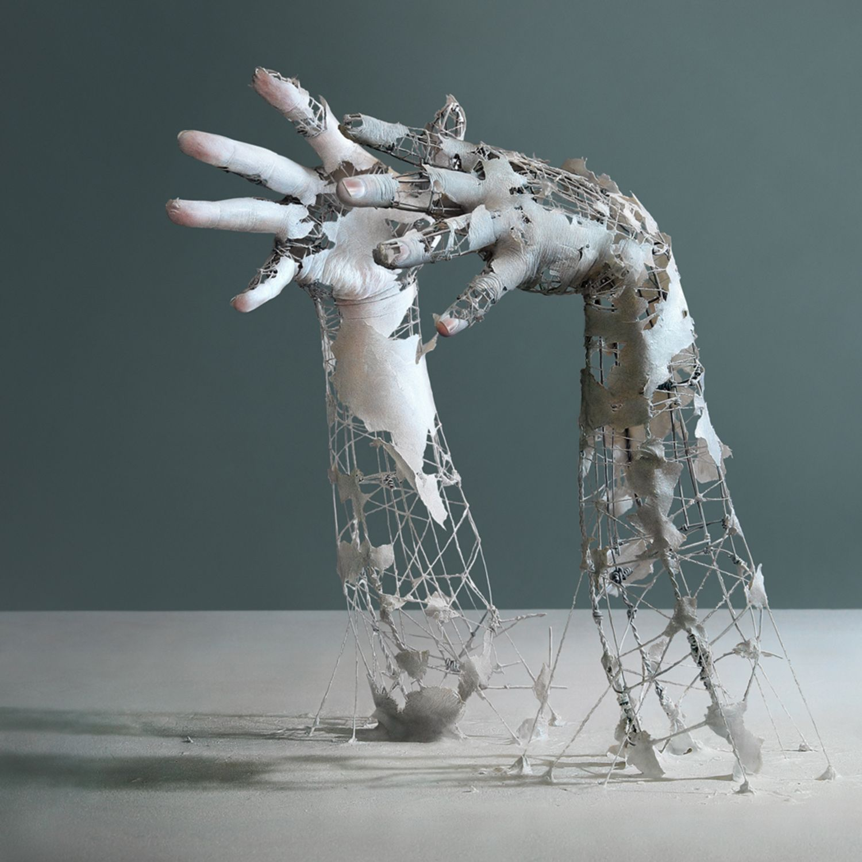 Eerie Disintegrating Bodies By Yuichi Ikehata In 2020 Sculpture
