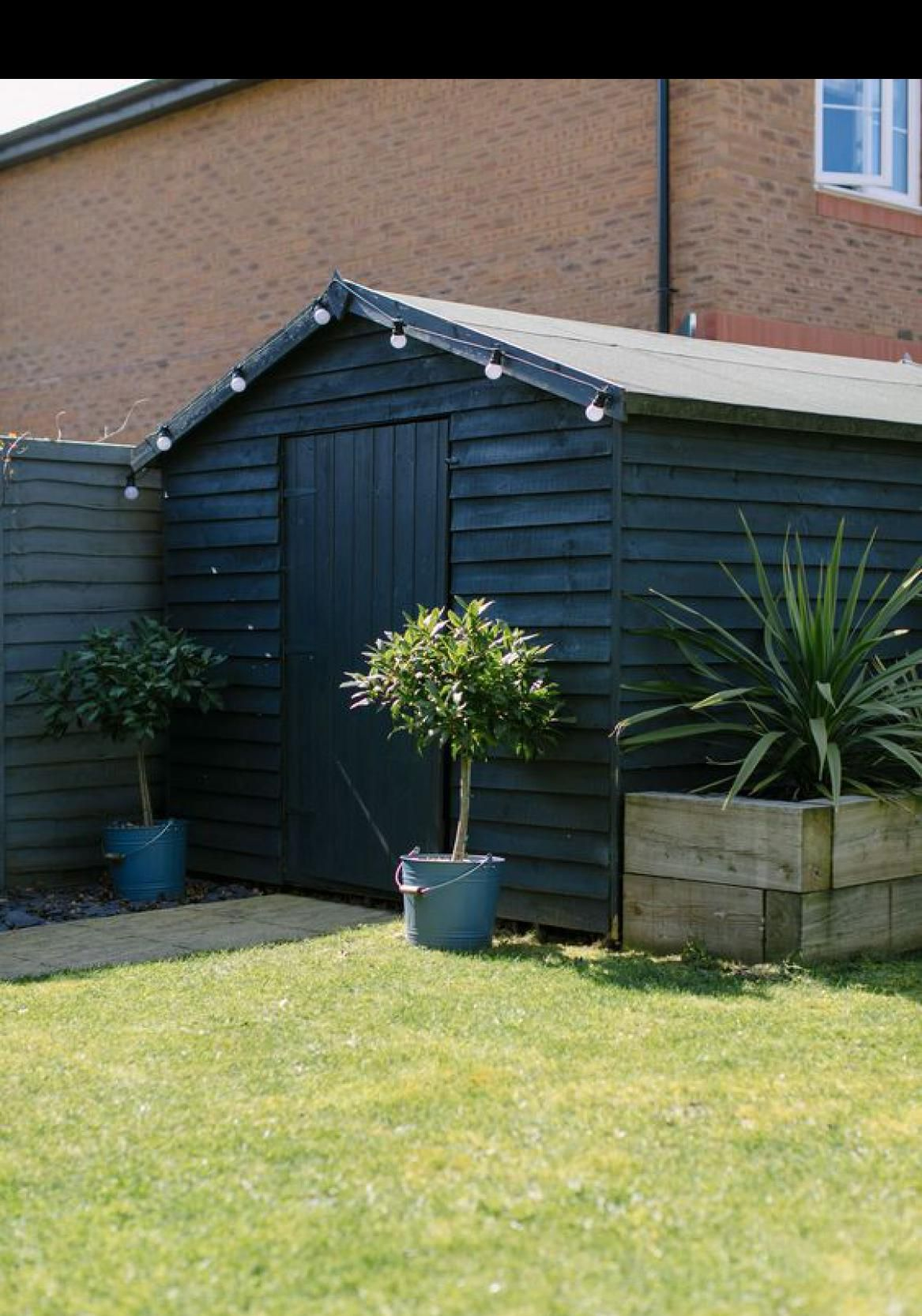 49 Fantastic Luxury Garden Décor Ideas Painted Garden Sheds Home Landscaping Shed