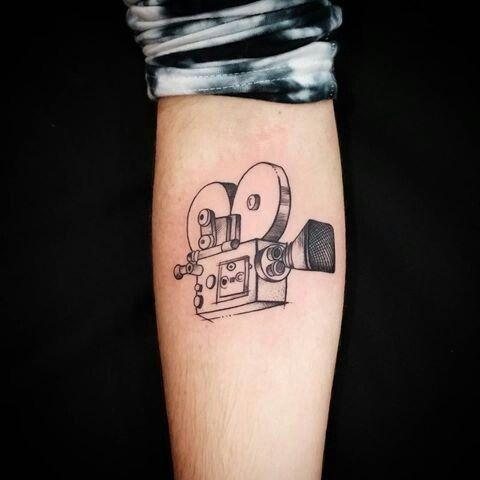 Pin De Kc Bailey Em Tattoos Tatuagens De Camera Tatuagem Tatuagens De Filmes
