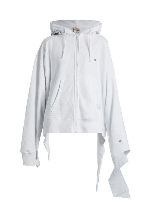 784546bc5145 VETEMENTS X Champion oversized cotton-blend sweatshirt.  vetements  cloth   sweatshirt