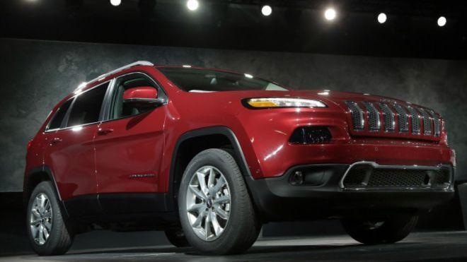 انتقادات لإرسال تحديث لنظام سيارات جيب شيروكي عبر البريد Jeep Cherokee Jeep Brand 2014 Jeep Grand Cherokee