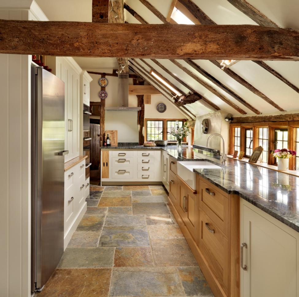 Stylish two toned kitchen cabinets deco maison pinterest