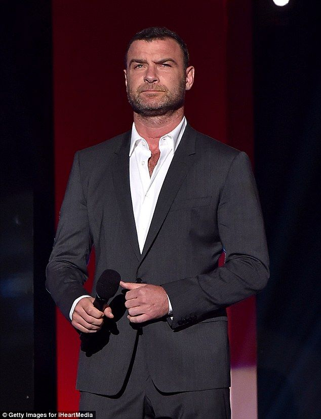 Justin Timberlake pays tribute to pregnant Jessica Biel at ...